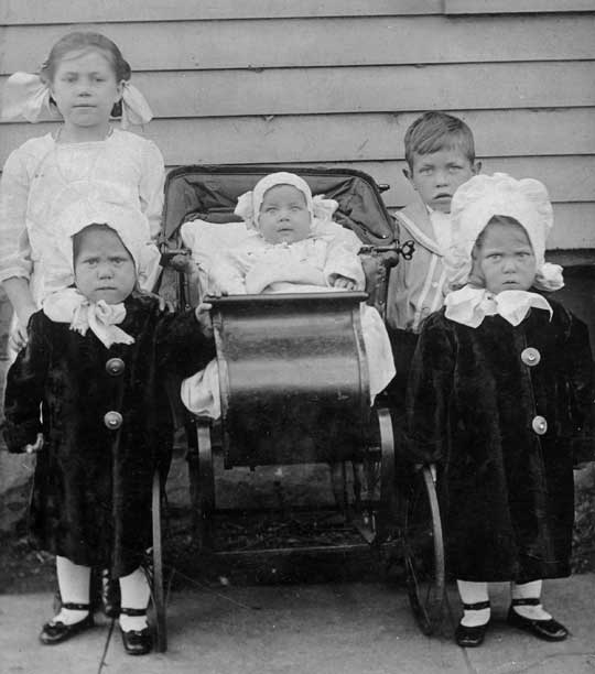 Oliver W. Prior Family - c.1913